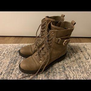 GUESS Combat Boots size 7 Gold & Tan Colour